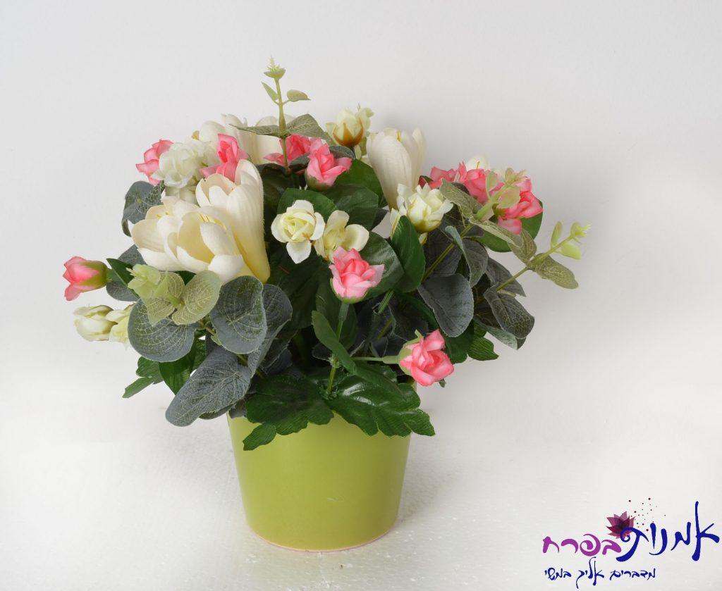 פרחי משי בכלי חרס ירוק