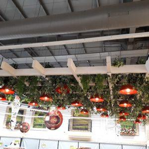 צמחייה מלאכותית מהתקרה