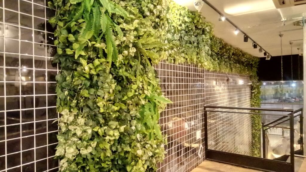 קיר ירוק מלאכותי