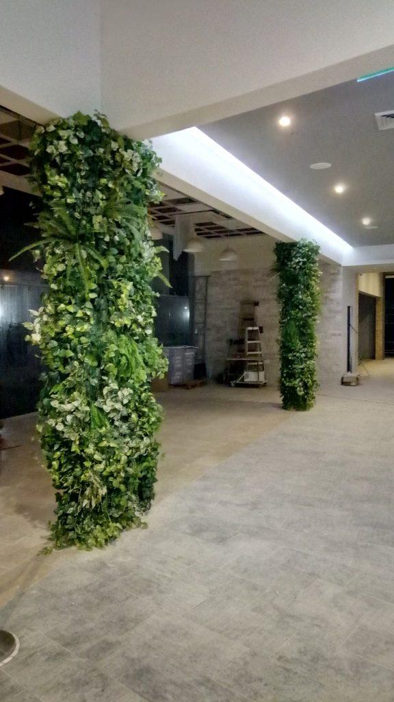קיר ירוק חיפוי עמודים