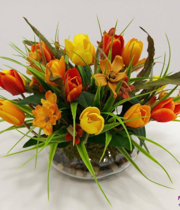 כלי זכוכית עגול עם פרחים בגווני כתום