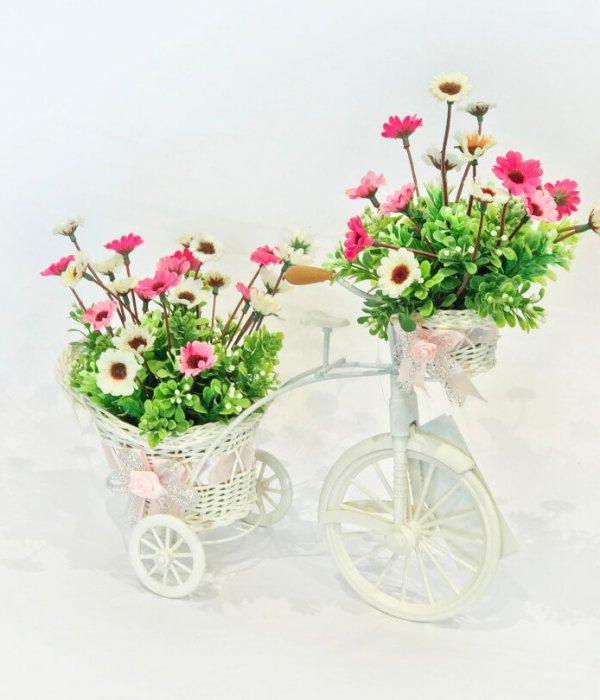 אופניים עם פרחי משי