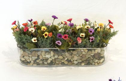 סידור פרחי שדה בכלי זכוכית אליפסה